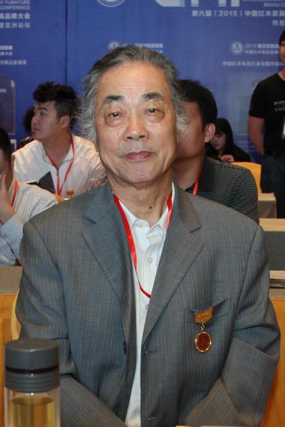 濮安国(中国红木文化研究院院长、全联艺术红木家具专委会专家顾问、著名明式家具学者)
