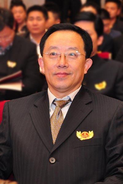 李凯夫 华南农业大学博士生导师、全联艺术红木家具专委会专家顾问
