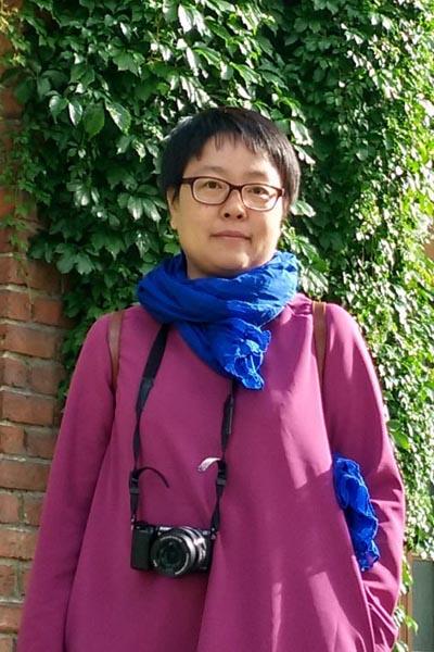 郭琼(华南农业大学研究生导师、全联艺术红木家具专委会专家顾问)