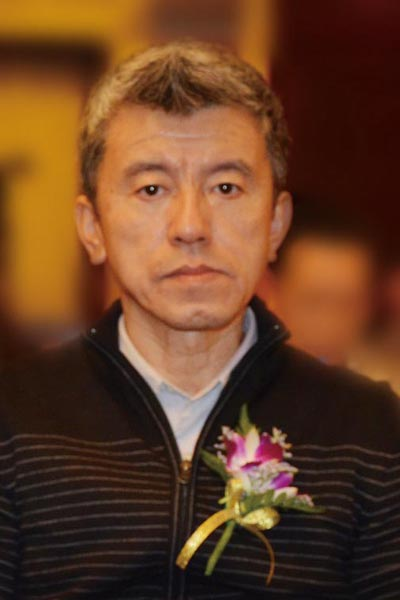 李建伟(中央电视台《寻宝》栏目总导演、全联艺术红木家具专委会专家顾问)