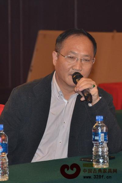 李爱金(中国传统工艺大师、广州鲁班木艺董事长)