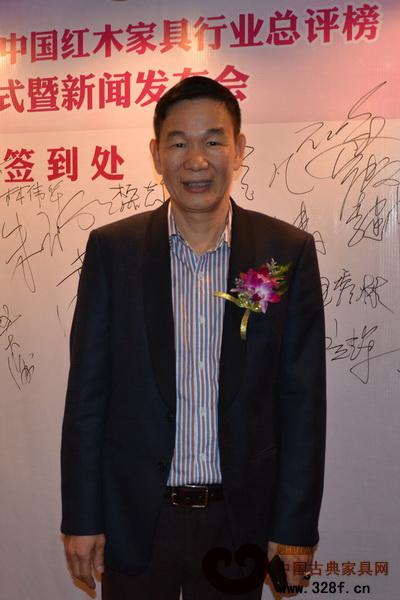 区胜春(中国传统工艺大师、区氏臻品董事长)