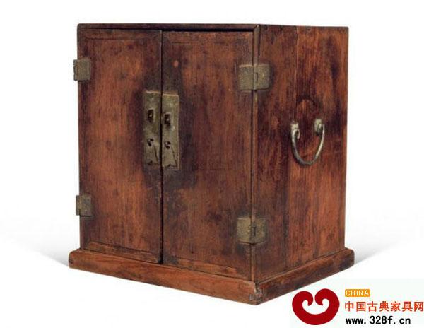 古董衣柜价值连城 怎样保养修复