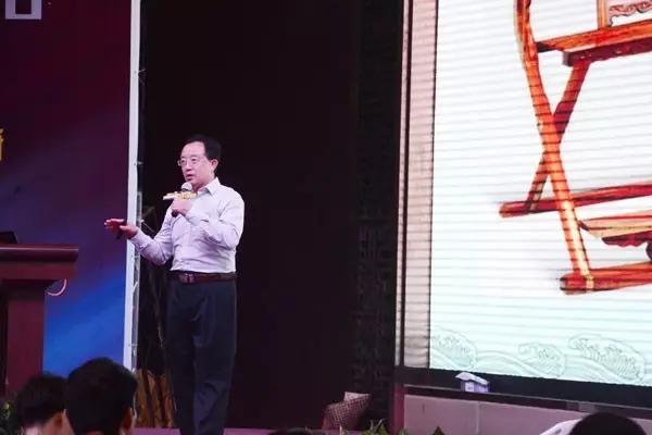 李凯夫:红木家具保健作用不可小觑