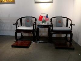 《首席椅》闪耀好莱坞,明堂红木再次在世界舞台代言中国红木
