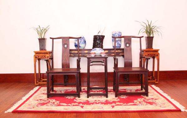 红木家具,紫檀四出头官帽椅配几仔 佐丹诗图片
