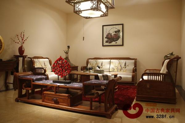 软装与新中式红木家具搭配相得益彰(莱韵达供图)