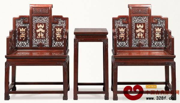 小叶紫檀嵌黄杨福庆纹扶手椅