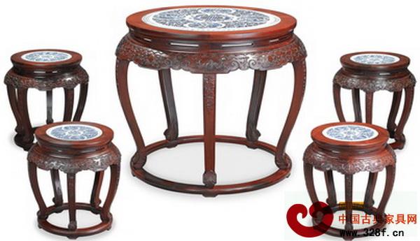 红酸枝镶青花瓷片圆桌配凳