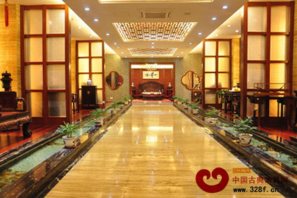 伍氏大观园大红酸枝顶级收藏馆展厅一楼内景