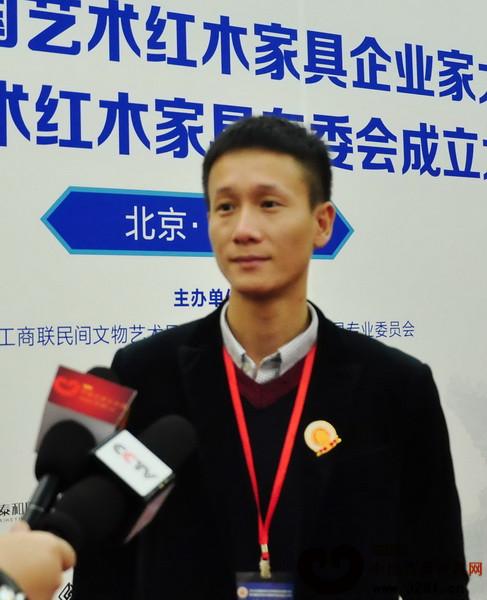 中山区氏臻品总经理区锦泽