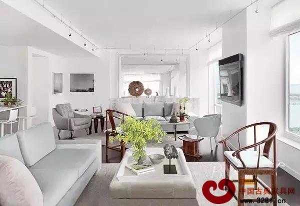 圈椅搭配现代简约风格家居,简洁中带着古朴