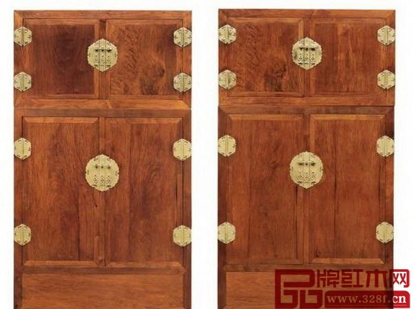 《清乾隆黄花梨龙纹大四件柜成对》拍出3976万元的高价