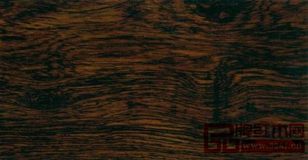 黑酸枝的品质被认定为仅次于紫檀和黄花梨