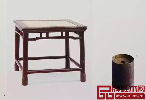 它与唐代的门床造法有渊源关系,此束腰是面板下装饰一道缩进面沿的线条