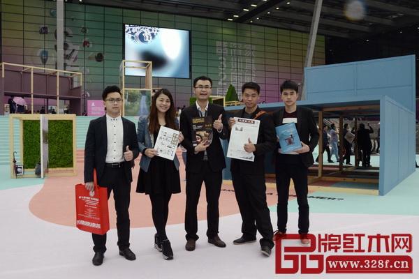 深圳家具展盛大启幕,弘木传媒精英们如约而至,带去红木家具行业的最新资讯
