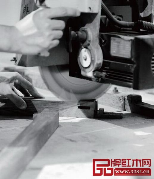 国寿椅生产流程——打榫凿眼