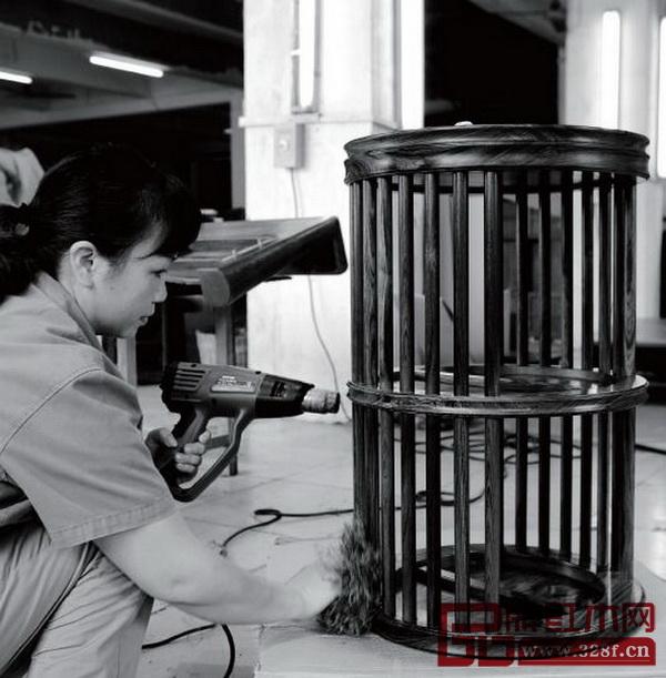 国寿椅生产流程——表面烫蜡