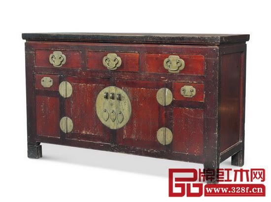 柜橱因其功能私密常被安置在内室,而且常作为嫁妆