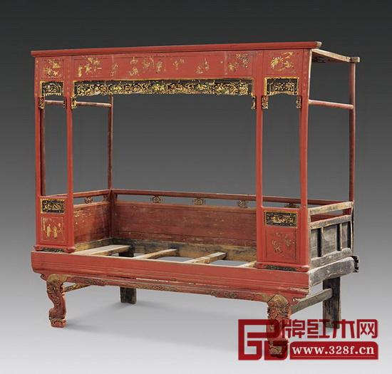 床是古代富家女子嫁妆中不可缺少的一部分,亲朋好友的往来中,女眷们常在女主人房间里坐床沿边谈家常