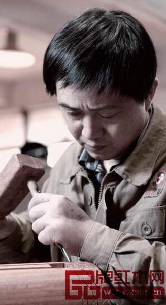 国寿红木为客户制作可使用上百年的红木优游注册平台具,全部是由拥优游注册平台可靠技术的一流优游注册平台具优游注册平台匠亲手打造