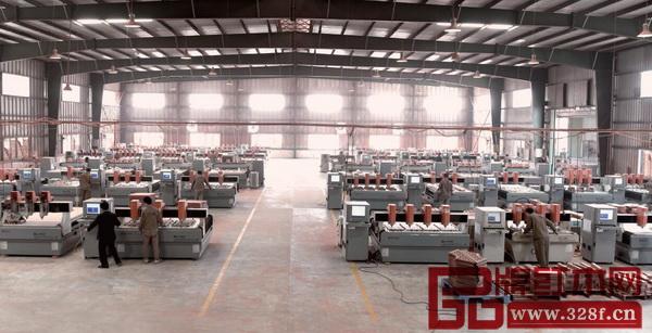 在国寿红木拥有多达60台国内规模最大的精雕机阵列,确保了高效产能