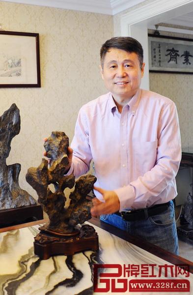 张辉 明清家具研究学者、全联艺术红木家具专业委员会专家顾问