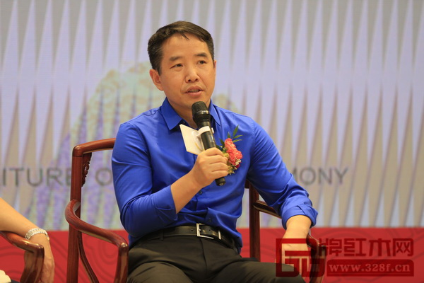 中国家具协会传统家具专业委员会主席团主席邓雪松
