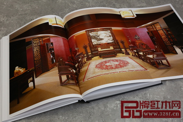 《区氏臻品明清仿古家具精鉴》完整地还原了明清家具的器物历史