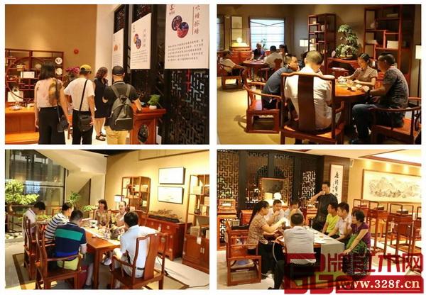 现场嘉宾观赏国寿红木家具,品味好茶,中式文化氛围十足