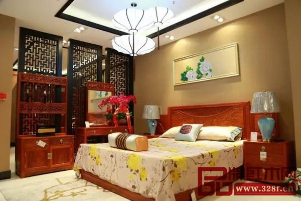 沈阳国寿红木艺术馆内的国寿红木家具