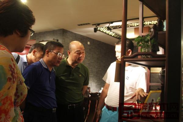 红古轩总经理吴赤宇亲自接待湖南考察团一行
