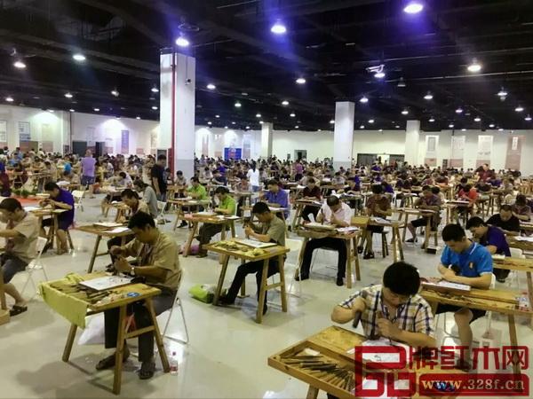 全国家具(红木雕刻)技能竞赛参赛选手众多共有416名选手报名参赛