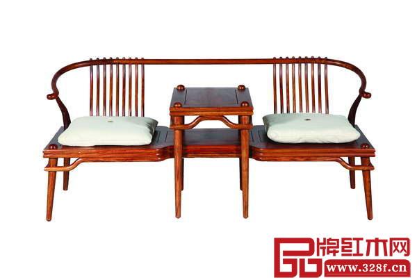 在世界三大顶级家具展之首的米兰国际家具展上,新中式红木家具,赢得海内外媒体的热议