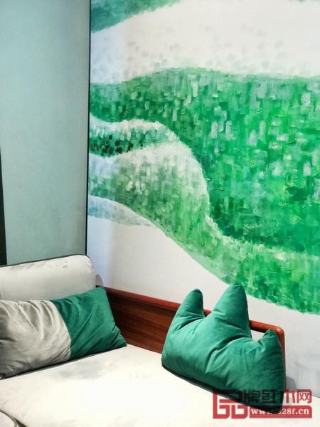 新中式软装中加上一抹草地绿带来盎然新意