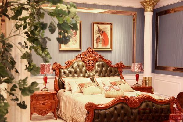 老周家居《法莱蒂妮卧房》
