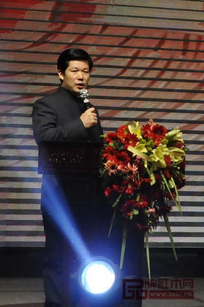东成红木董事长张锡复作2017年工作总结及2018年工作规划