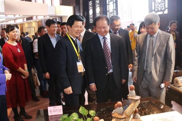 东成红木精彩亮相2017年中国(中山)红木家具文化博览会