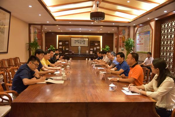 中山市组织部副部长汤毅清带队指导东成红木党团建设工作