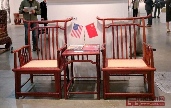 东莞国寿红木《宋韵四出头梳背椅》向西方呈现东方传统文化魅力