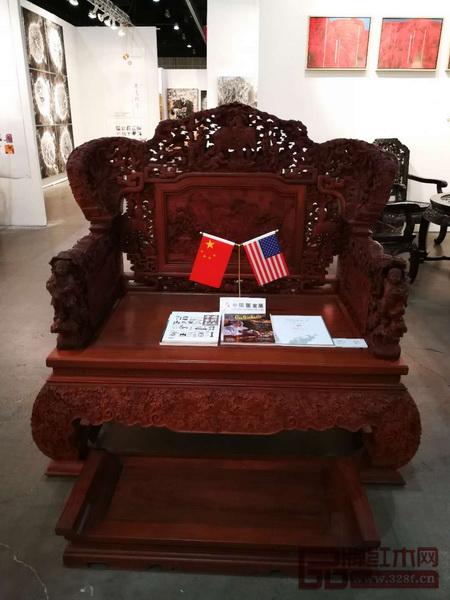 卓木王参展的《中国梦和谐宝座》