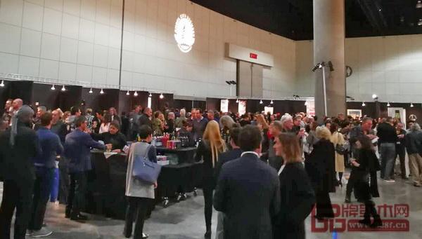 美国洛杉矶国际艺博会中国国家展开幕式隆重举行,现场人气超旺