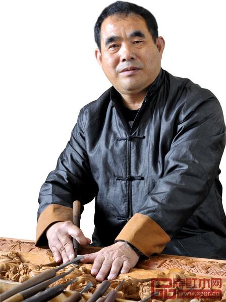 工艺美术大师、鸿庭轩董事长陈戴青