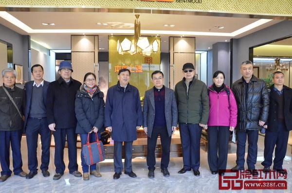 中国轻工业联合会专家领导参观雄业红木
