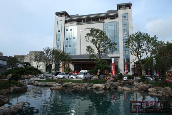 东莞国寿红木艺术馆外景(国寿红木供图)
