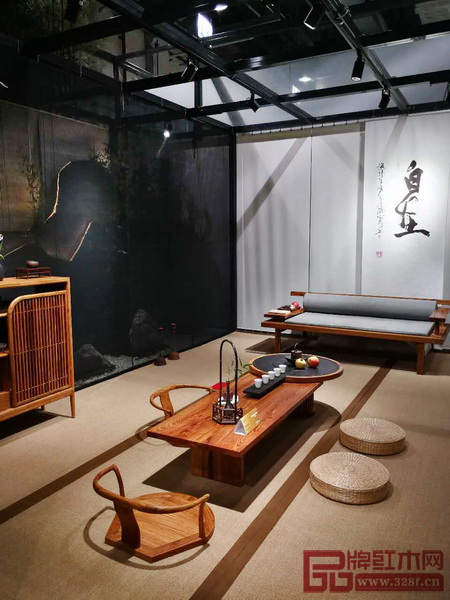大量的中国设计师品牌把设计师对中国文化的某种气质的理解加入到当代家具设计的创造当中