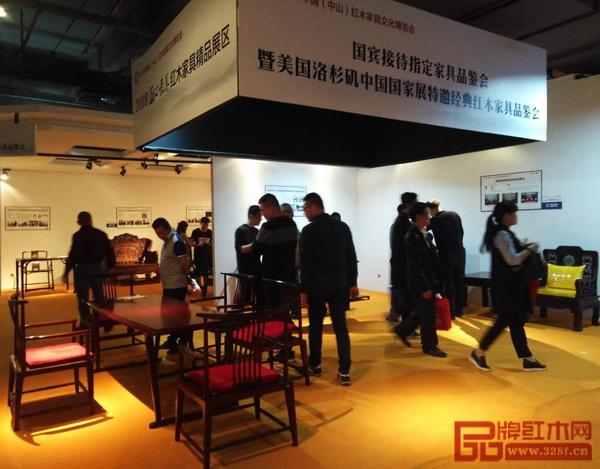 国家级精品红木家具吸引众多经销商前来品鉴