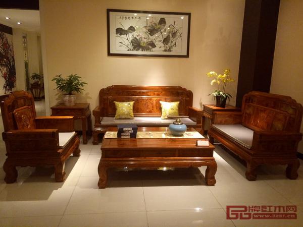 匠王红木《刺猬紫檀·报喜2号沙发》