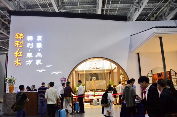 东阳梦响红木等品牌纷纷亮相,本届东莞名家具展,新中式风格无疑是展会