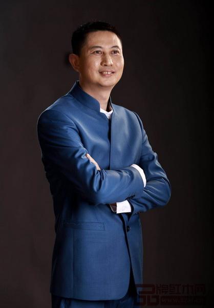 中山市红古轩家具有限公司品牌创始人、中山市家具商会会长吴赤宇